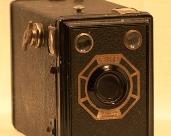 Vintage 1947 GAP Box Camera (Paris, France)