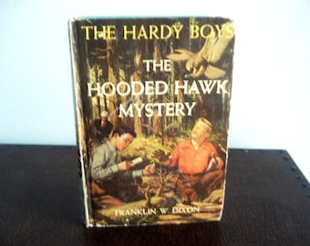 The Hardy Boys - The Hooded Hawk Mystery - Vintage Book