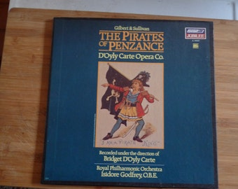 Pirates of Penzance Gilbert and Sullivan D'Oly Opera Company Royal Philharmonic includes extra