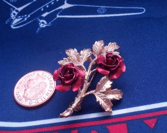 Goldtone Brooch with Two Red Roses and Leaves