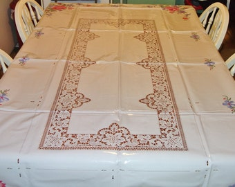 Closing Shop ! EVERYTHING ON SALE 4 Vintage vinyl Table cloths Halloween, Fall