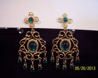 Estate Costume Gold Earrings #72