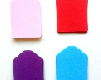 25 tags in colored construction paper for decorations, packaging and gift ideas