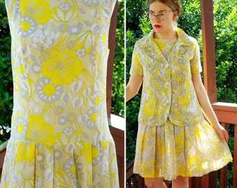 CALIFORNIA Girl 1960's 70's Psychedelic Yellow and Gray Flower Power Polyester Dress and Jacket Set size Small Med
