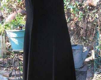 Vintage & Witchy Molly Malloy Black Velvet-Like Evening Gown Size 12