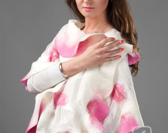 Felt shawl - Pink Roses with white - Summertime Madness