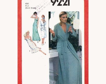Butterick 9221 Lingerie nightgown robe vintage 70s sewing pattern Size 14 UNCUT