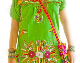 Mexican Embroidered Dress Bohemian Gypsy Beautiful Hand Embroidery