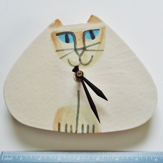 wall clock:  handmade cat Flame point Siamese blue eyes  ceramic USA shipping included