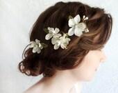 bridal hair piece, bridal flower hair clip, ivory flower for hair, white flower hair pins, wedding floral hair clip, bridal headpiece,