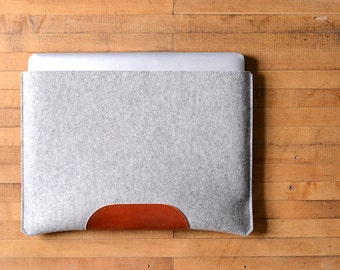 MacBook Pro Sleeve - Grey Felt and Brown Leather Patch
