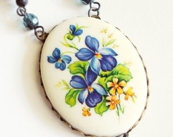 Flower Cameo Necklace Vintage Violet Pansy Blue Floral Pendant Victorian Pansy Jewelry Blue Floral Necklace Romantic Valentine's Day Gift