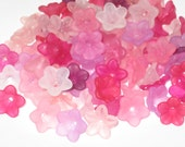 50 Acrylic Flower Beads Lucite Flower Beads - Pretty Petals 12mm - 14mm Razzle Dazzle Miix
