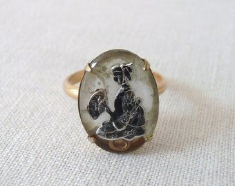 Vintage Asian Geisha Ring