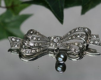 Vintage Silver tone and Rhinestone Bow Brooch with Freshwater Pearl