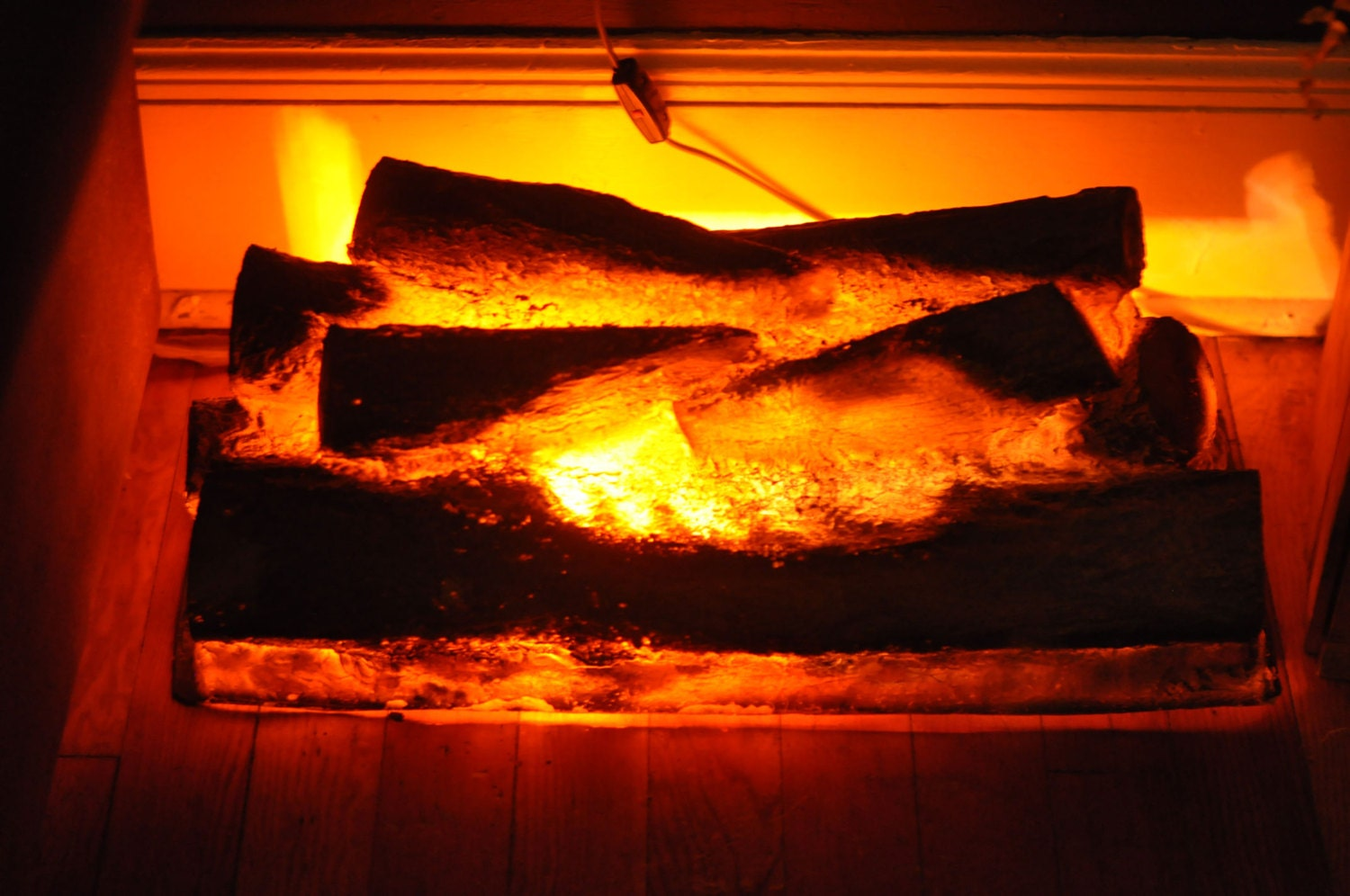 Fake logs for fireplace