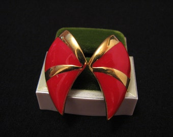MINT Vintage Monet Gold Plated Red Enameled Horn Fan Pierced Earrings