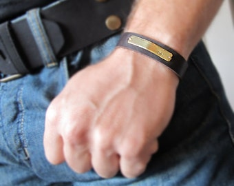 Custom Mens Leather Bracelet / Men's Personalized Jewelry / Gift for Him / Boyfriend Gift - Adjustable Leather Band Bracelet / Initials