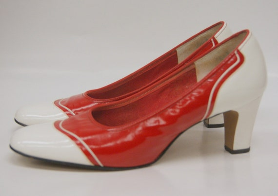 Vintage Mod Red and White Patent LEather Pumps 6.5 M