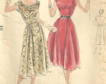 Vogue 7318 / Vintage 50s Sewing Pattern / Dress / Size 12