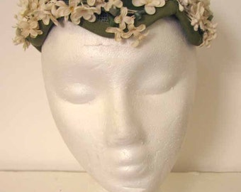 Vintage 1950s Suzy Michelle Ivory Flower Covered Hat