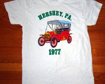 vintage tshirt HERSHEY PA 1977 Ford Buggy chocolate antique car