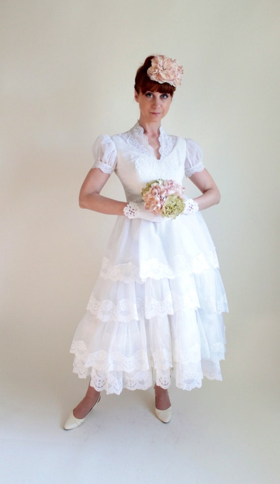 1950s White Lace Tea Length Summer  Wedding Dress. Bridal. Reception Dress. Mad Men Fashion