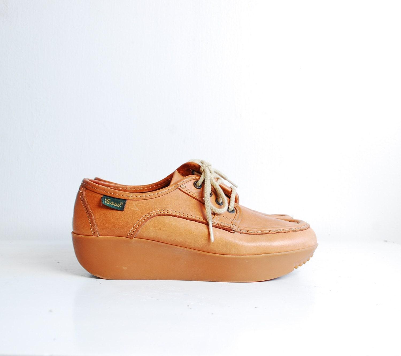 70s bass shoes 1970s leather platform shoes golden honey