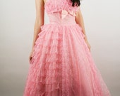 Vtg 50s PINK Tulle LACE Formal PinUP PROM Dress Sz6  //  Strapless Alternative Wedding Dress Gown