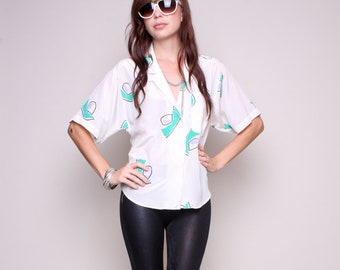 Medium / Large - 80s Shirt - White Slouchy Shirt - Green and White Top - Tourist T Shirt
