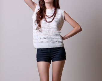 Large / XL - 70s Sweater Tank - Vintage Knit White Sweater - Tank Top - Slouchy Fit
