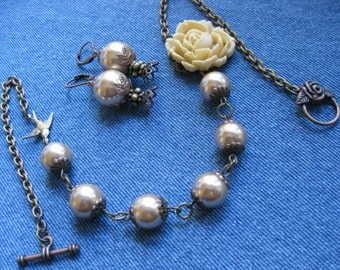 SET - Latte Pearls, Copper and Latte Rose Necklace - Matching Earrings
