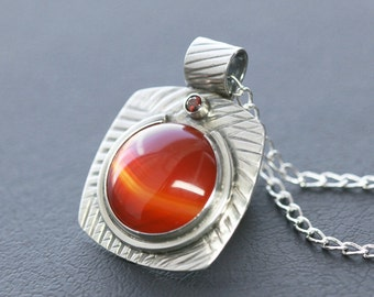 Carnelian and Faceted Garnet in Textured Sterling Silver Modern/Contemporary Pendant Necklace