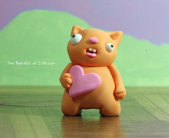 Orange love beast - Crazy miniature sculpture for nerds geeks and fun people - Gift packaging and card included