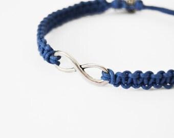 Unisex infinity bracelet blue macramè