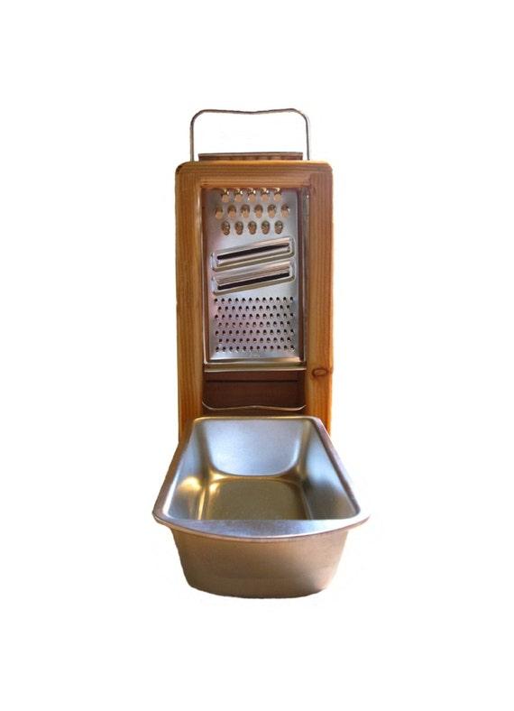 Cheeseware: Pine Graterbox