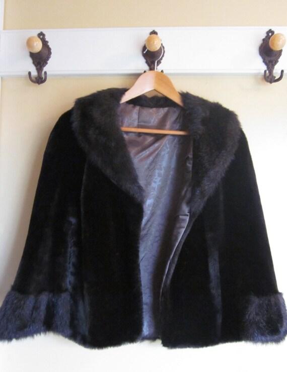 Gorgeous Vintage Chocolate Brown Faux Fur Cape, Luxury, MINT condition