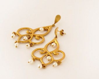 chandelier earrings - pearl earrings - gold earrings - pearl drop earrings - gold drop earrings - gold dangle earrings