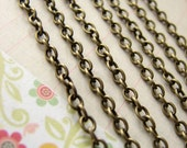 Chain : 3 feet Antique Bronze Open Link Oval Chain 3.8mm x 2.8mm x .7mm -- Lead, Nickel & Cadmium free 64614 3