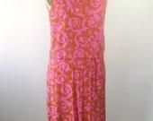 1950s Sleeveless Pink Orange Dress Scroll Pattern Womens Medium Large