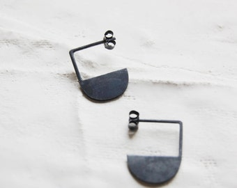 Black earrings // half circle earrings // geometric earrings // GM011