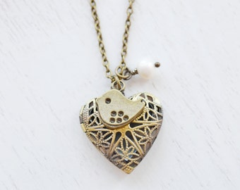 Heart Jewelry, Sweet Bird Necklace, Small Bird Locket, Best Friend Necklace, BFF Gift, Locket Jewelry Necklace, Filigree Locket Sparrow Bird