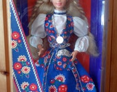 Dolls of the World Norwegian Vintage Barbie, New in Box