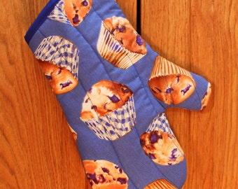 Oven Mitt in Blueberry Muffins Print