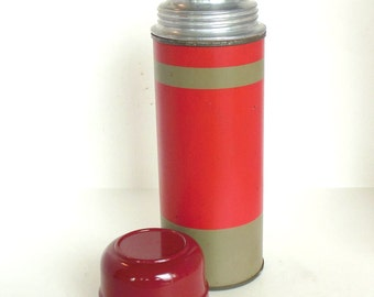 Vintage Bakelite Thermos Aladdin Metal Red Tan  40's - 50's (item 7)