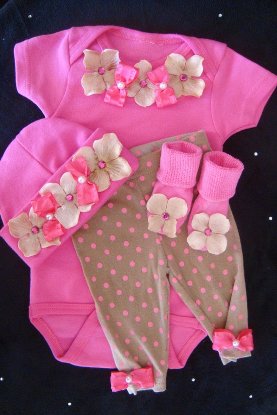 newborn baby girl outfit set layette bodysuit pants beanie. Black Bedroom Furniture Sets. Home Design Ideas