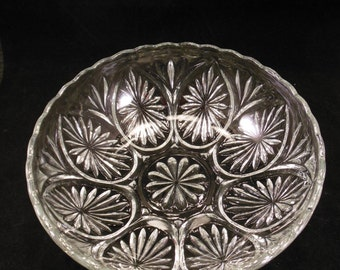 Anchor Hocking Star and Cameo Medallion Bowl Clear Glass Serving Dish