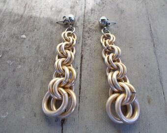 Golden Circle Chain Earrings