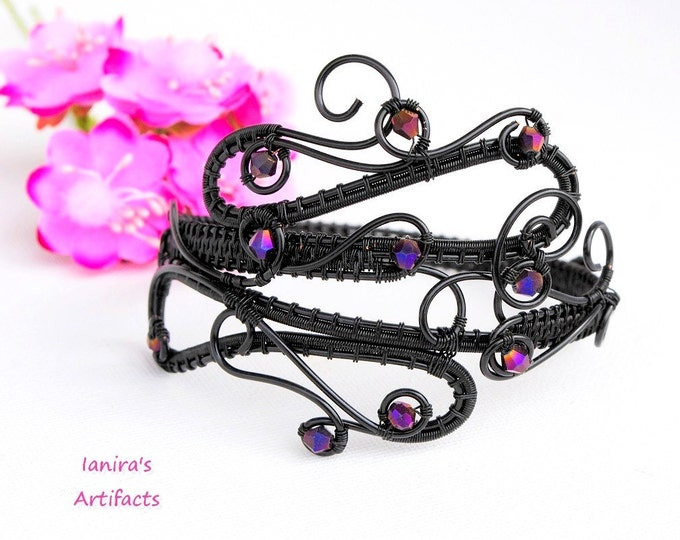 Black wire bracelet ~ Gothic jewelry ~ Wire wrapped