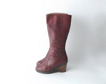Vintage burgundy 70s wedgie platform boots